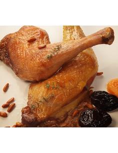 Ànec mut del Penedès rostit amb prunes i pinyons